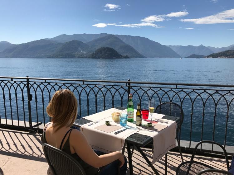 (4) Restaurant View